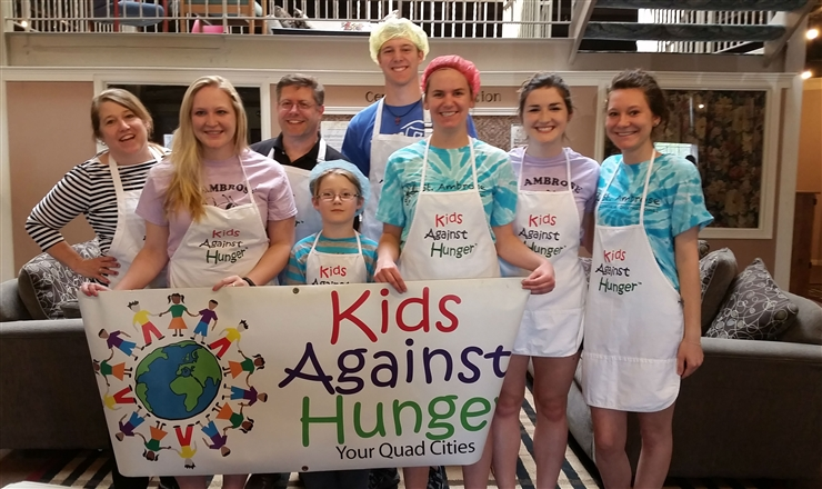 Students at Kids Against Hunger event